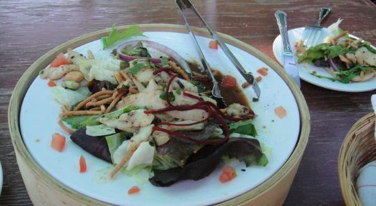 Doce Lunas: First course: Wok-seared calamari over Sonoma greens