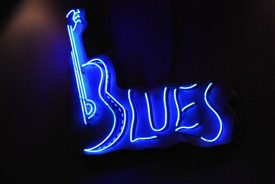 Biscuits and Blues: Sign2