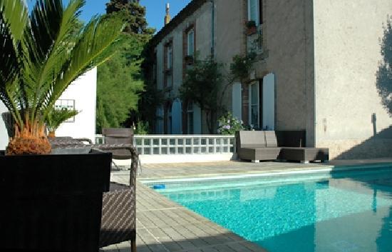 La Villa Les Cèdres : chambre d'hôte villa les cèdres