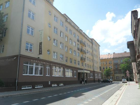 Extol Inn: facade de l hotel
