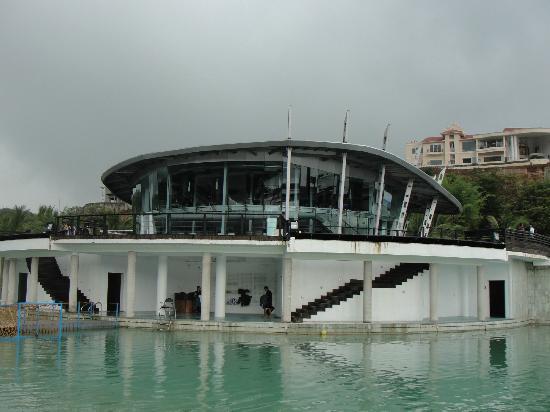 Aamby Valley City: lagoon restaurant