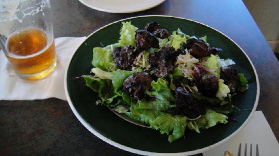 Vineyards Inn: Basque Crispy Liver Salad