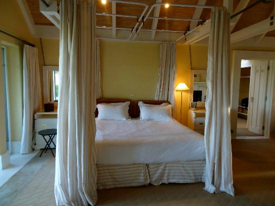 Wharekauhau Country Estate: The beautiful and very comfortable bed