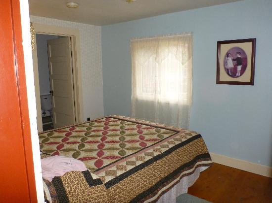 Mount Elbert Lodge: View from room doorway
