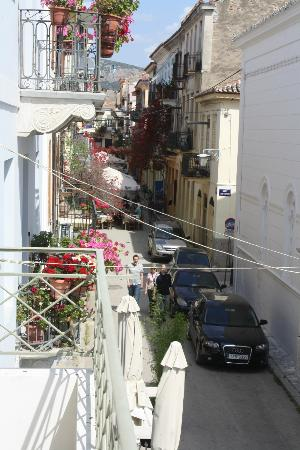 Latini Family Hotel : view of the street from our 1st floor balcony