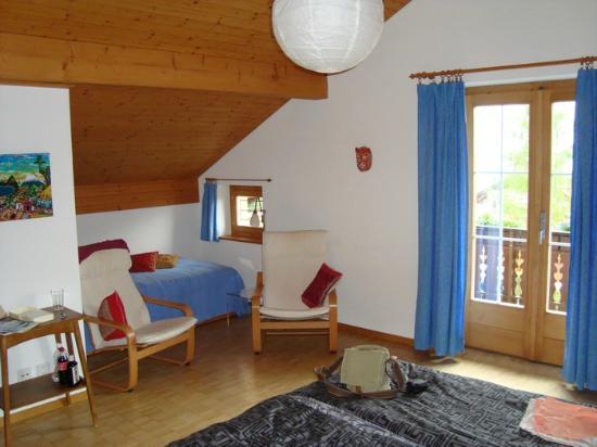 Hitsch-Huus: room Ecuador, lovely small window