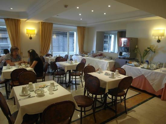 Siracusa Hotel: Breakfast room