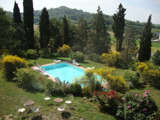 Al Giardino degli Etruschi: Beautiful clean pool