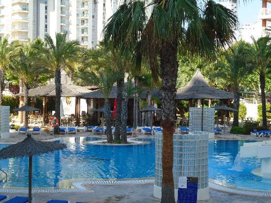 Hotel RH Ifach : La piscina del hotel