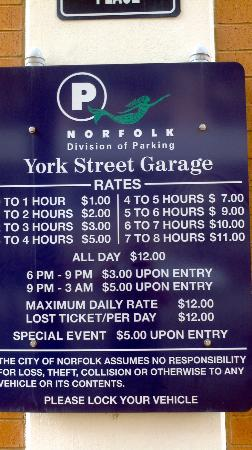 ‪ريزيدنس إن نورفولك داون تاون: Garage Fees Make no Mention of $18 Charge for Hotel Guests