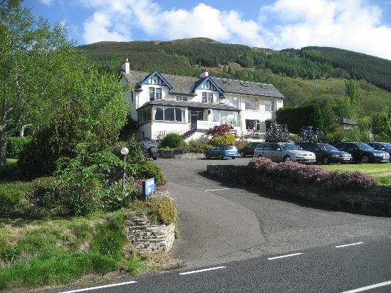 The Lochearnhead Hotel: Front of Hotel