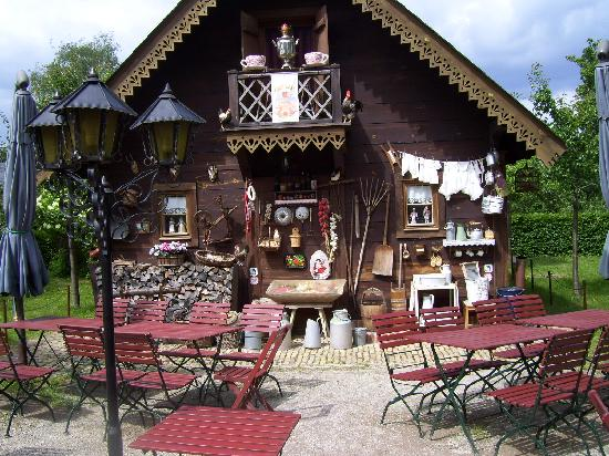 gartenhaus foto van alexandrowka 1 russisches restaurant potsdam tripadvisor. Black Bedroom Furniture Sets. Home Design Ideas