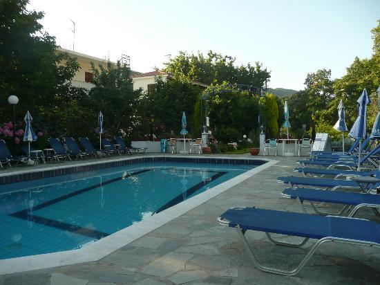 Jimmy Studios: Pool area