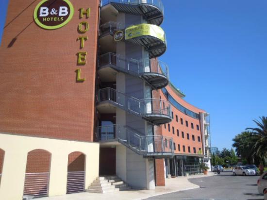 B&B Hotel Pisa : Immagine esterna