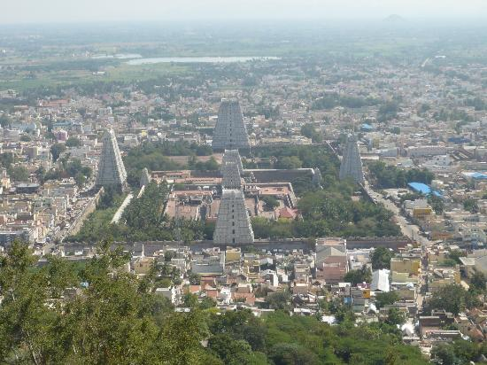 Thiruvannamalai, India: Arunachaleshwara Temple as seen from Arunachala-Hill