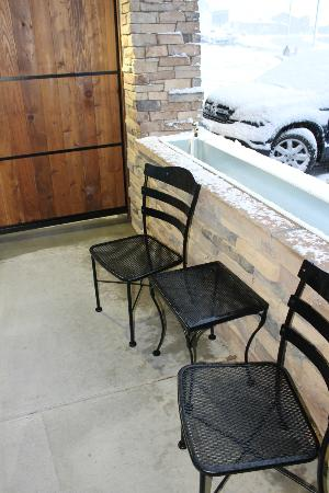 Best Western Premier Ivy Inn & Suites: Our covered patio, would be great if weather were nice!