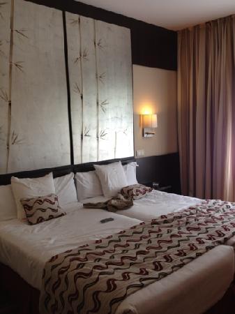 Hotel Paseo del Arte: chambre