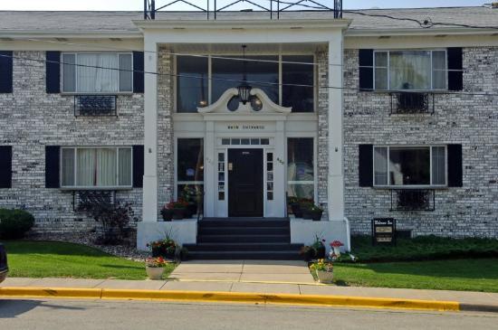 Lancaster Welcome Inn: Exterior