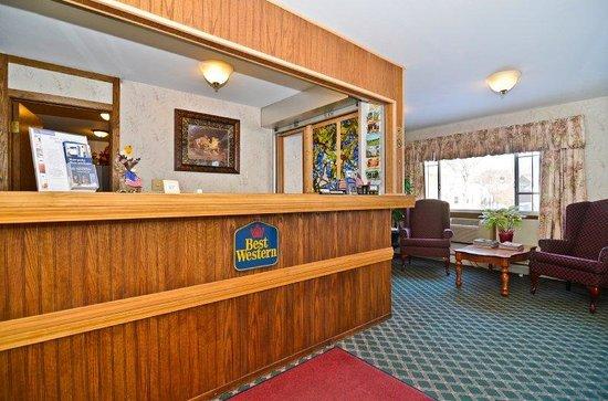 Lancaster Welcome Inn : Front Desk