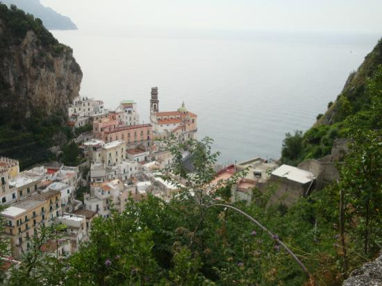 A'  Scalinatella Hostel and  Hotel: Byn uppifrån bergen