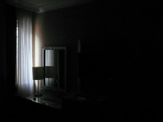 Hotel Villa Zurich: Lichtverhältnisse im Zimmer 10 Uhr vormittags