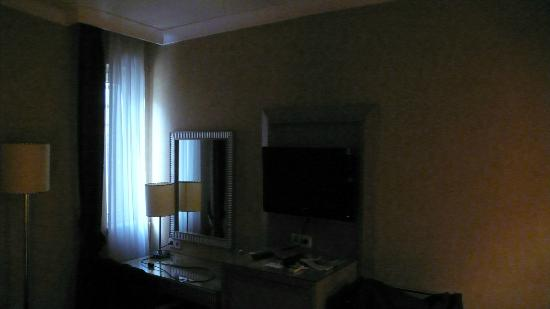 วิลล่า ซูริค: Lichtverhältnisse mit Badezimmerlicht