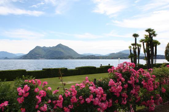 Hotel Fontana: Looking across Lake Maggiore