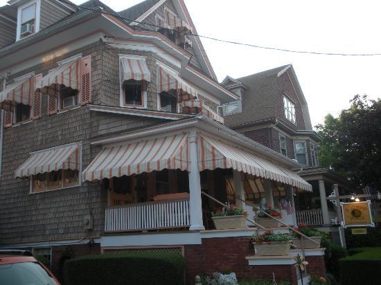 Saltwood House: Exterior
