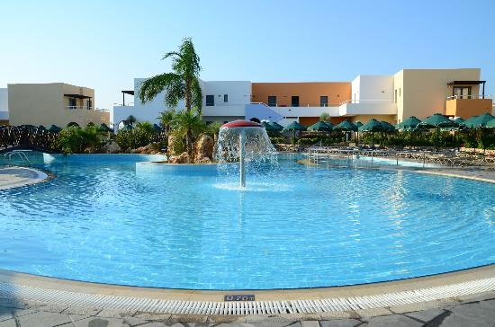 Mikri Poli Rhodos Resort: Huvudpoolen