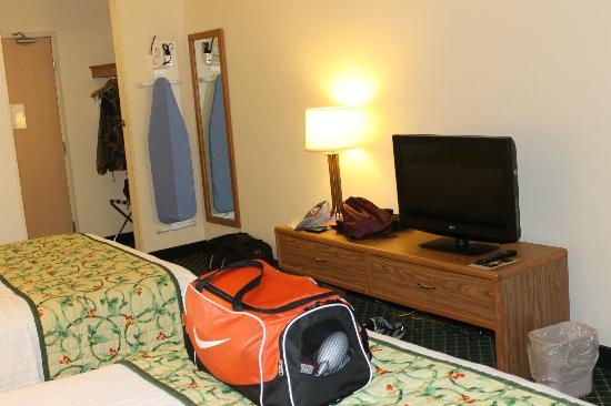 Fairfield Inn & Suites Sioux Falls: Flat screen television