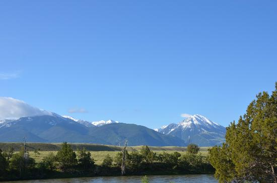 Yellowstone's Edge RV Park : The view from our site.