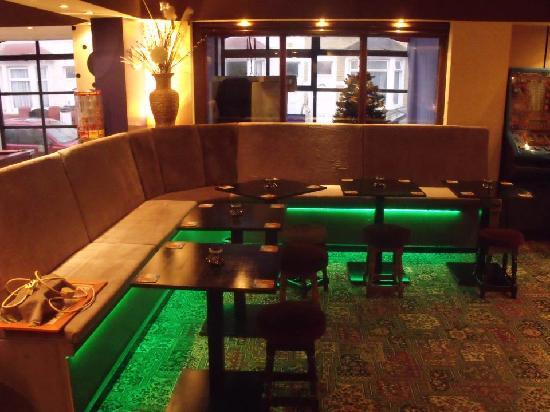 The Clarendon Showtel: bar