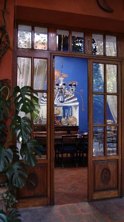 Casa Schuck Boutique Hotel: Comedor, visto desde afuera