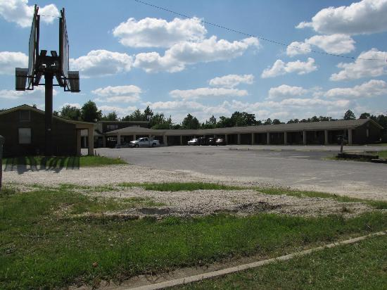 Swainsboro, جورجيا: Motel view from the US1 