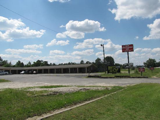 Swainsboro, جورجيا: motel prices are subject to change 