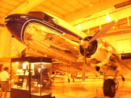 Carolinas Aviation Museum: Piedmont plane