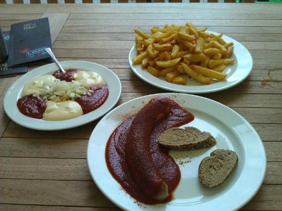 Edelcurry : Currywurst, große Pommes Spezial