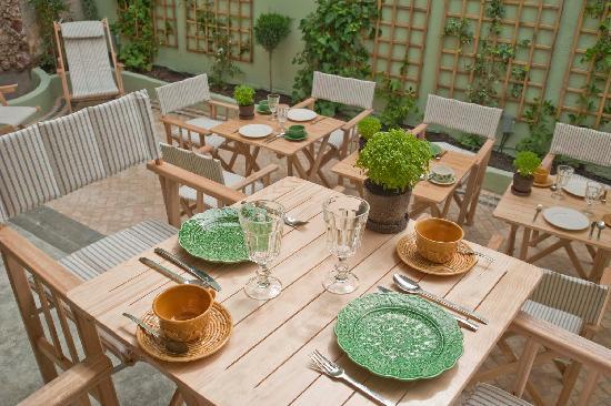 Casa Amora Guesthouse: Breakfast Casa Amora