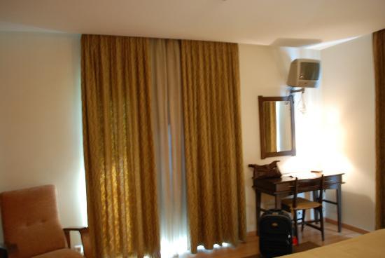 Hotel Santo Condestavel: Luminosa