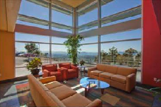 Berkeley Lab Guest House: The view from the Lobby
