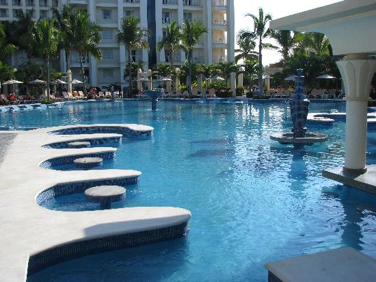 Hotel Riu Vallarta: Adult pool