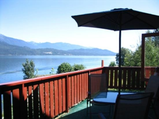 ‪‪Ainsworth Hot Springs Guest House‬: View of Kootenay Lake