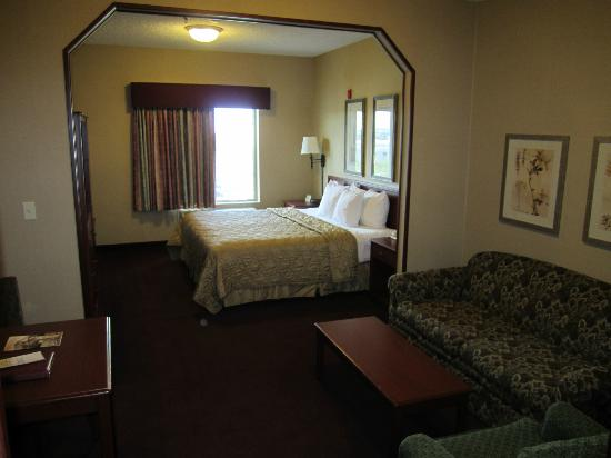Comfort Inn & Suites: Bedroom bed