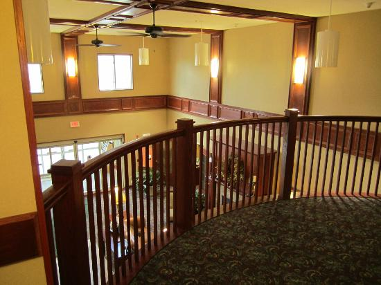 Comfort Inn & Suites: Second floor over the lobby