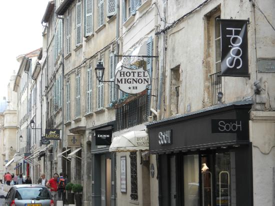 Hotel Mignon : from the main street
