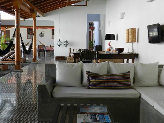 Los Patios Hotel: Living area by pool