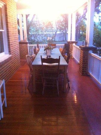 Brick House Kitchen: outside seating