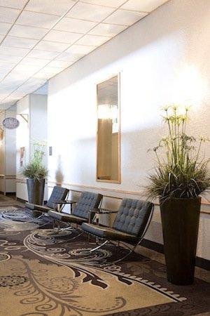 Heritage Inn Hotel & Convention Centre: Banquet Corridor