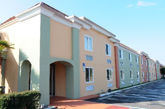 Magnuson Hotel and Marina New Port Richey: Ramada New Port Richey Hotel