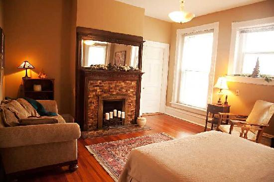 Parker House Bed & Breakfast: Noble Room@ Parker House B&B Anniston, Alabama